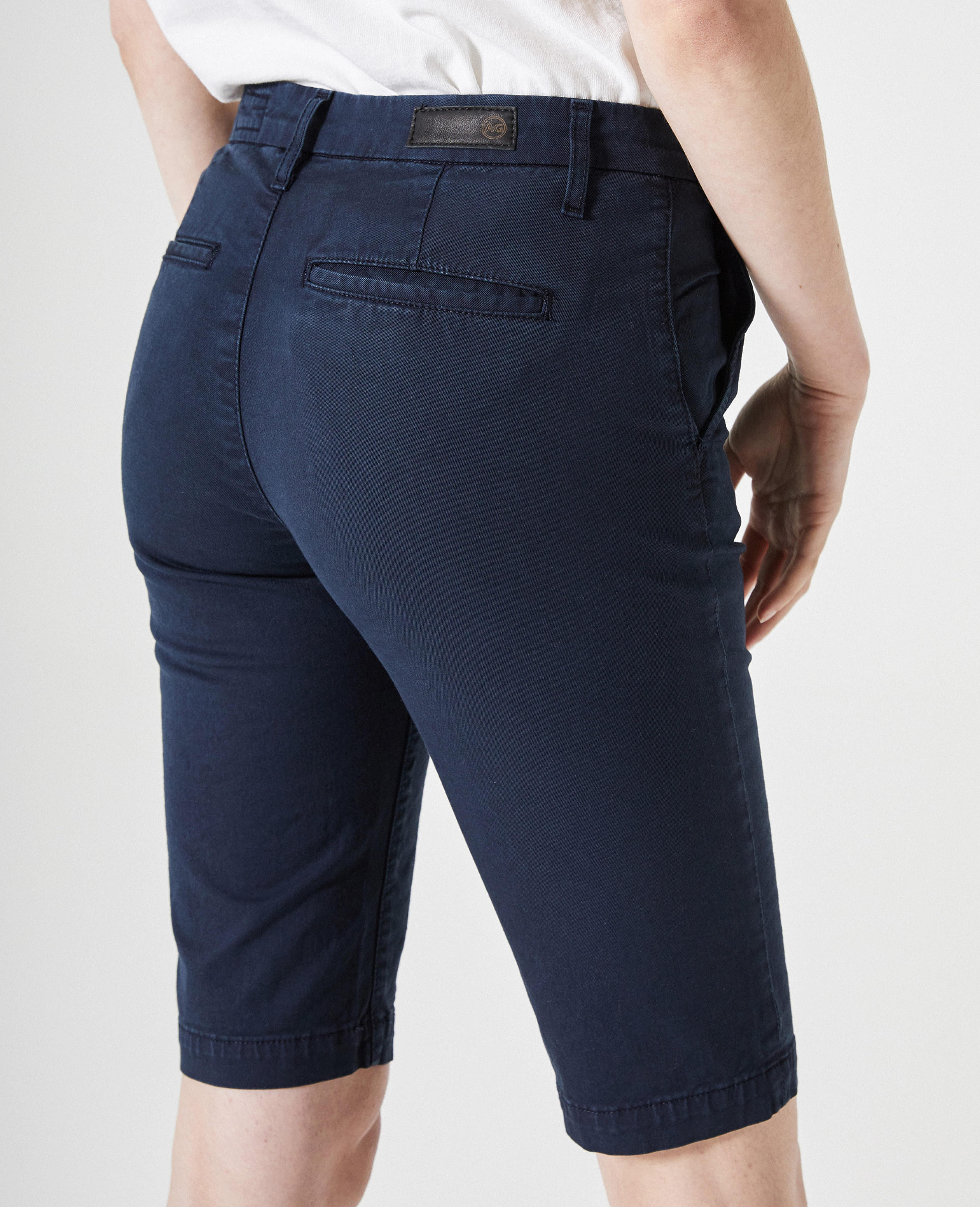 The Analise Short