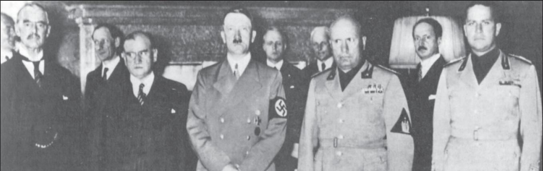 Nach der Unterzeichnung des Münchner Abkommens, vorne v. l. Chamberlain, Daladier, Hitler, Mussolini, Graf Ciano.