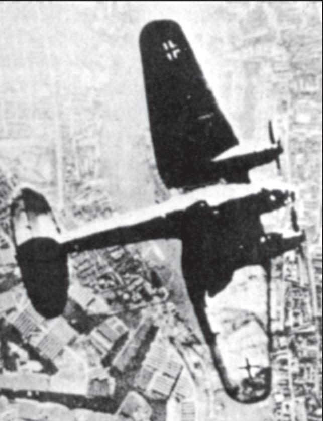 Deutscher Bomber über London.