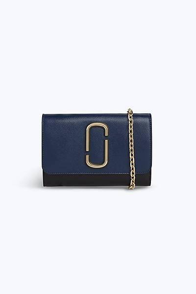 마크 바이 마크 제이콥스 스냅샷 체인 지갑 Marc By Marc Jacobs Snapshot Chain Wallet,BLUE SEA MULTI