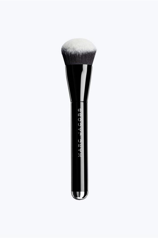 The Face II Sculpting Foundation Brush