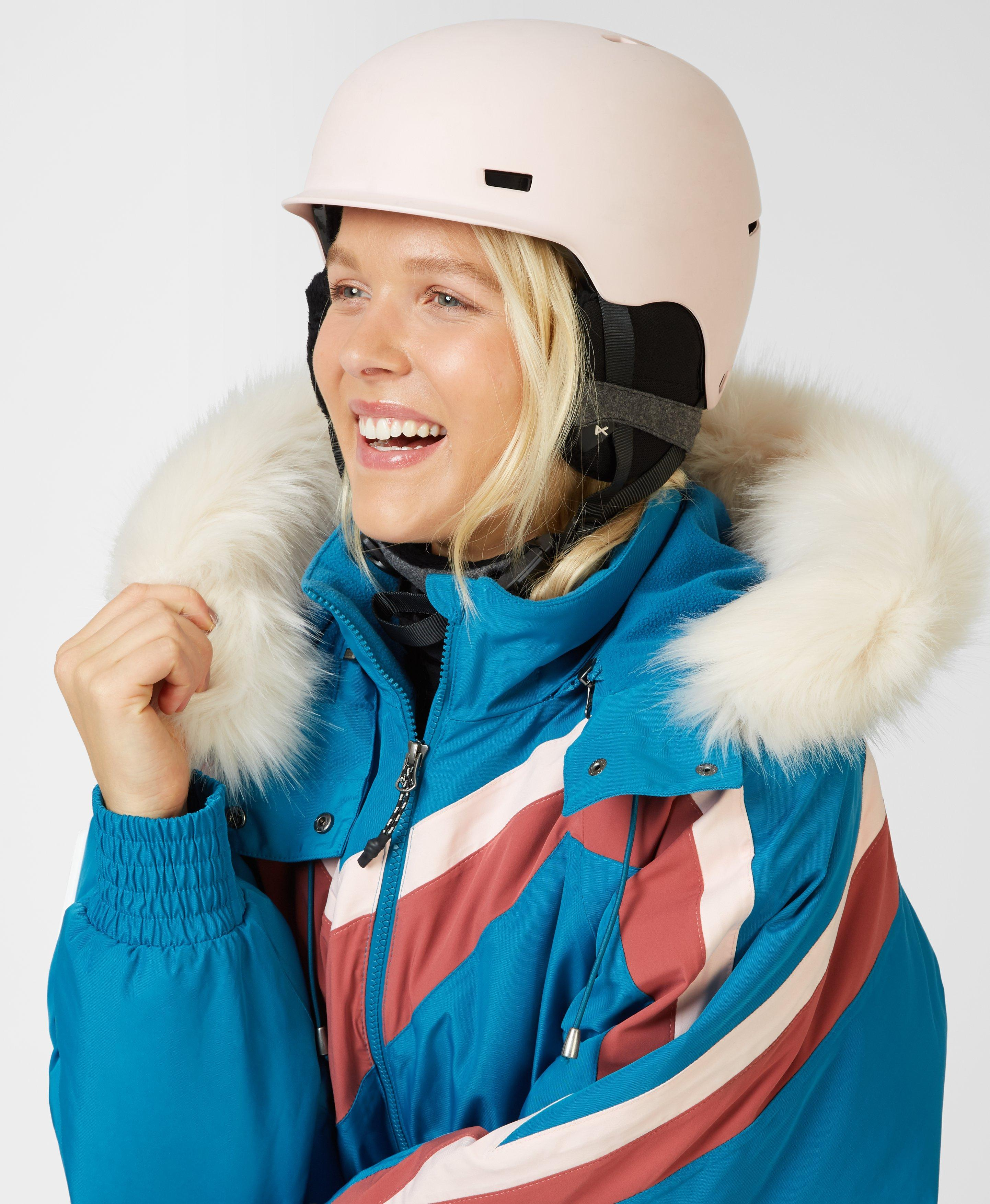 Get ready to buckle up, this ski helmet is easy-fastening and made with endure-shell construction. Durable with passive ventilation, adjustable fit and offers space for audio devices to take your ski sessions up a notch.