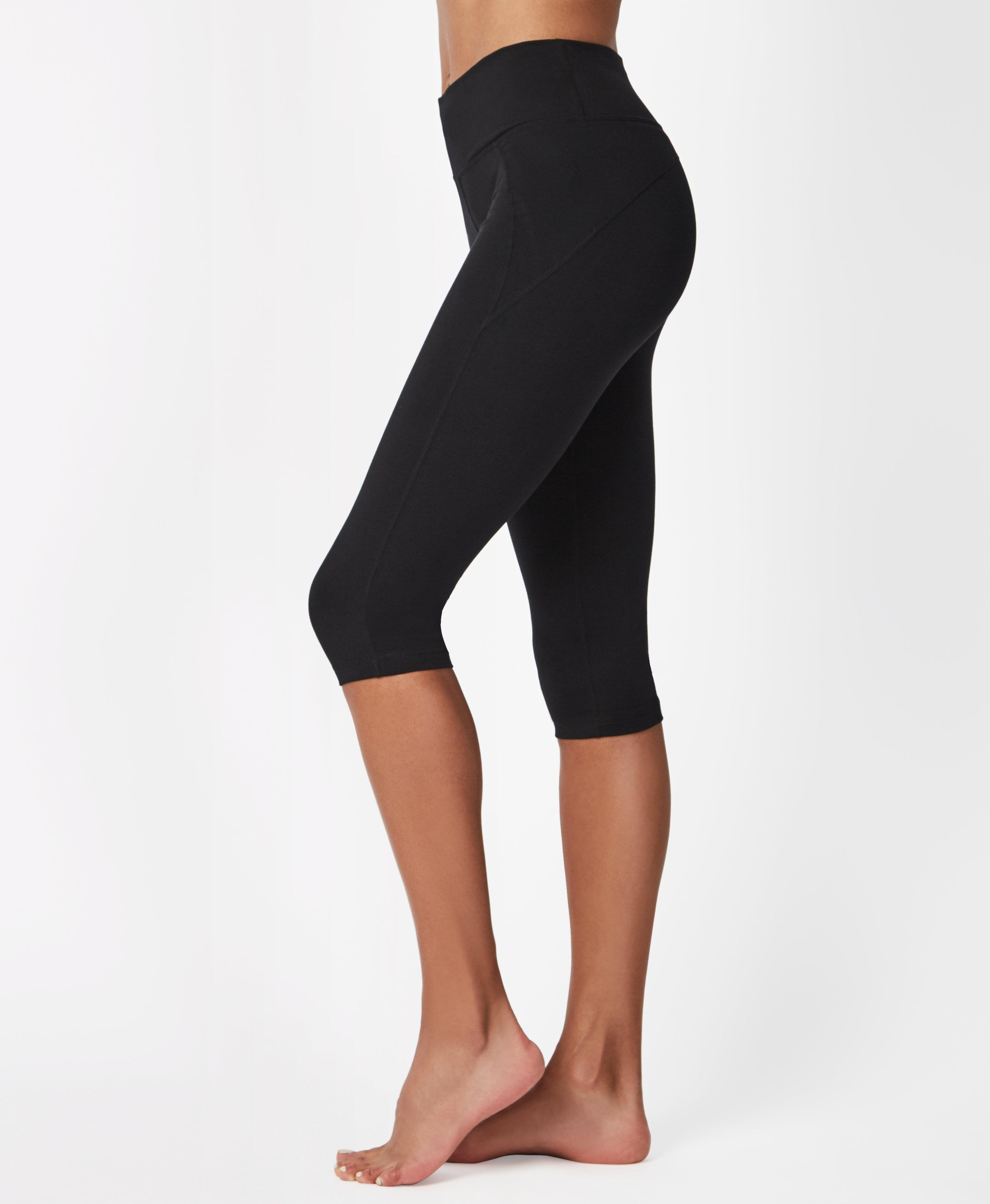 Can you ever go wrong with a super soft black legging? Lightweight, super soft and sweat-wicking, wear for every workout from Pilates to HIIT. The adjustable drawcord at the waist ensures the perfect fit.