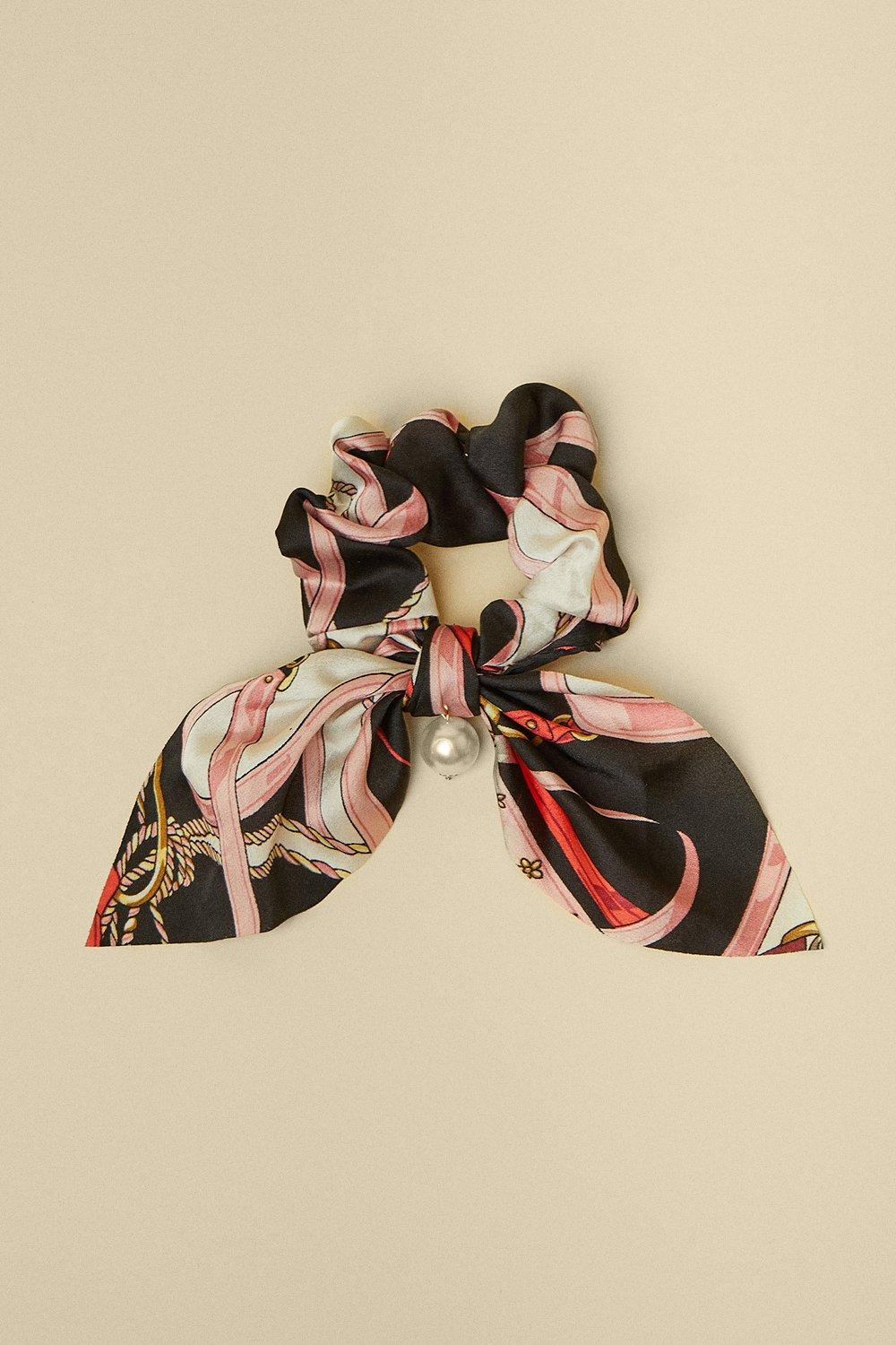 Womens Chain Scarf Print With Pearl Scrunchie - black, Black