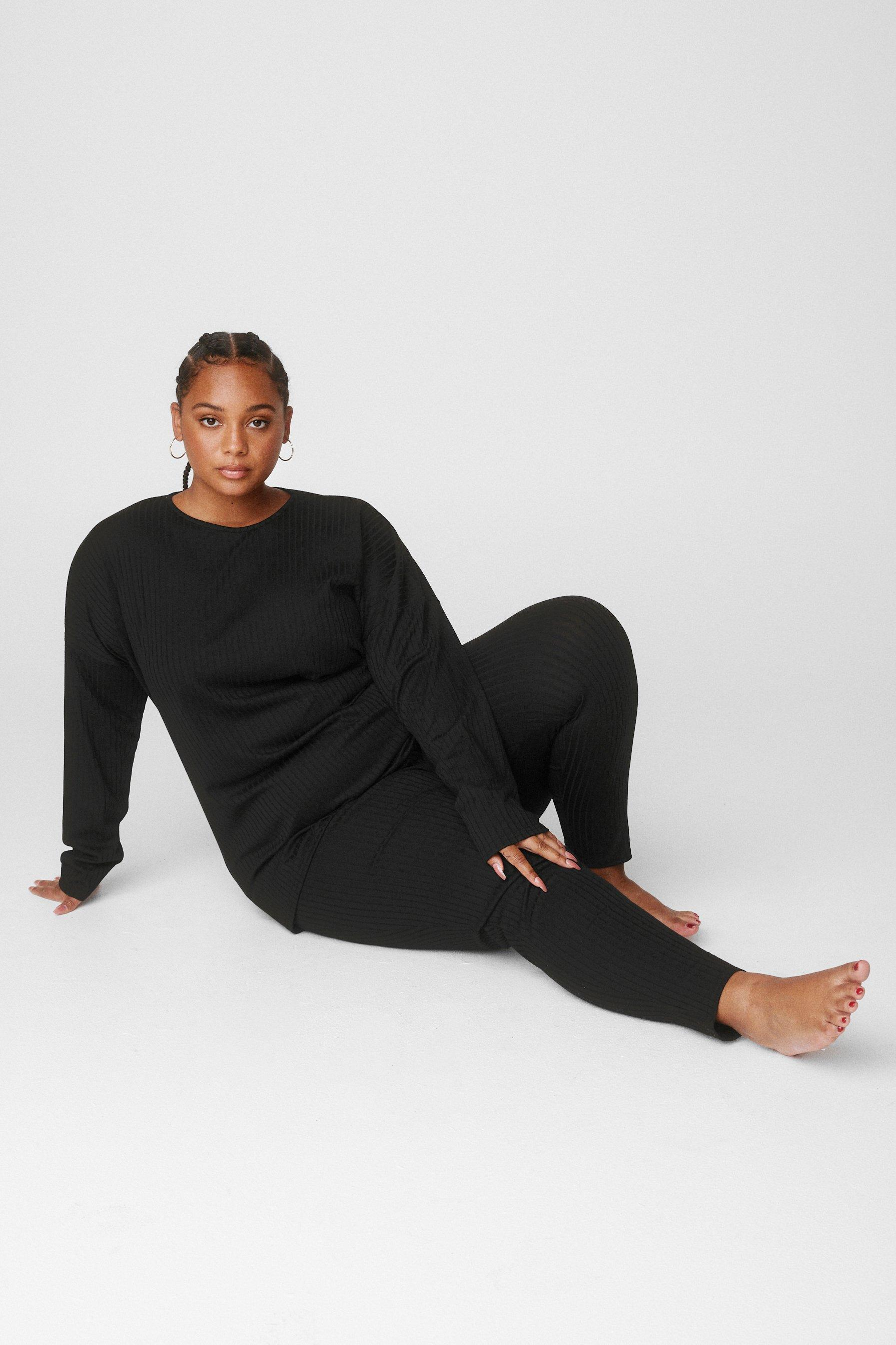 Image of Womens The Long and Leggings of It Plus Lounge Set - Black