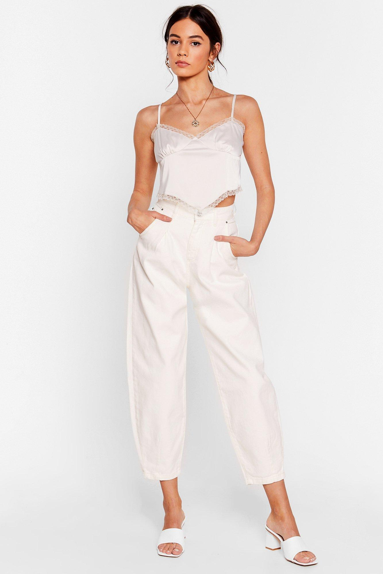 Image of Womens Jean Genie High-Waisted Tapered Jeans - Ecru