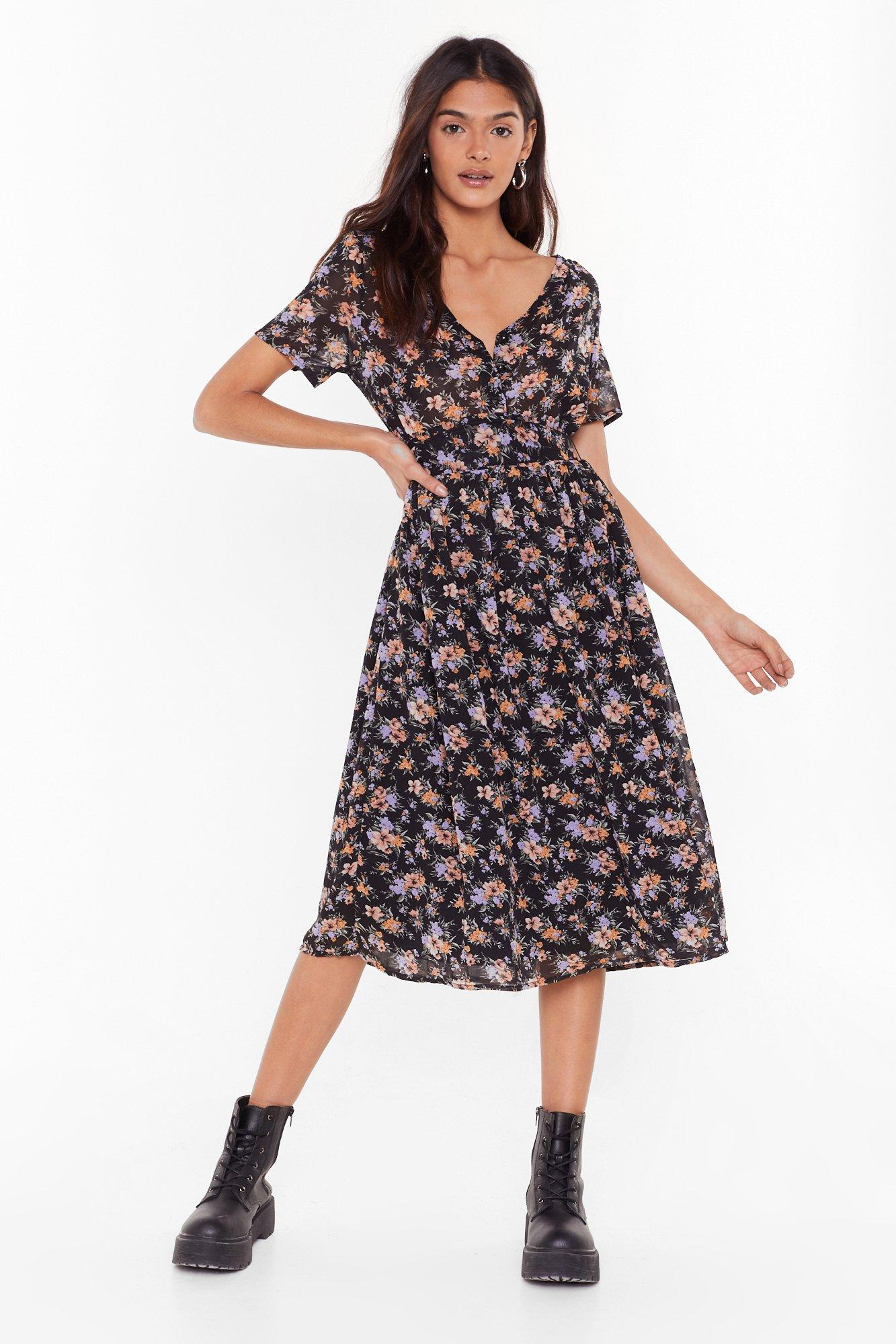 Image of Gotta Grow Out Floral Midi Dress
