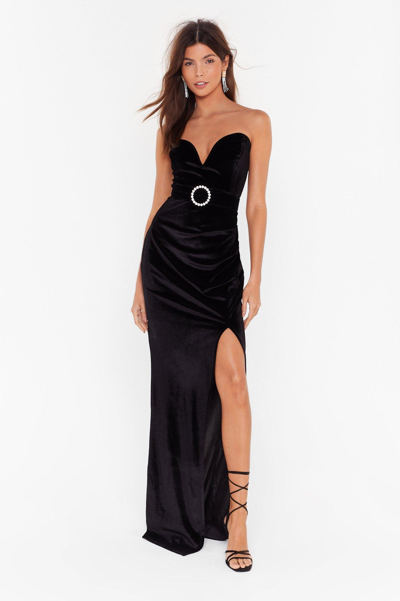 Image of Total Eclipse of the Sweetheart Velvet Maxi Dress