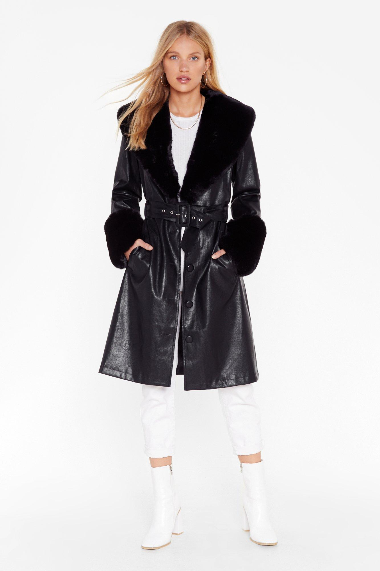 Womens I\'m That Girl Faux Fur Collar Trench Coat - black - 12, Black