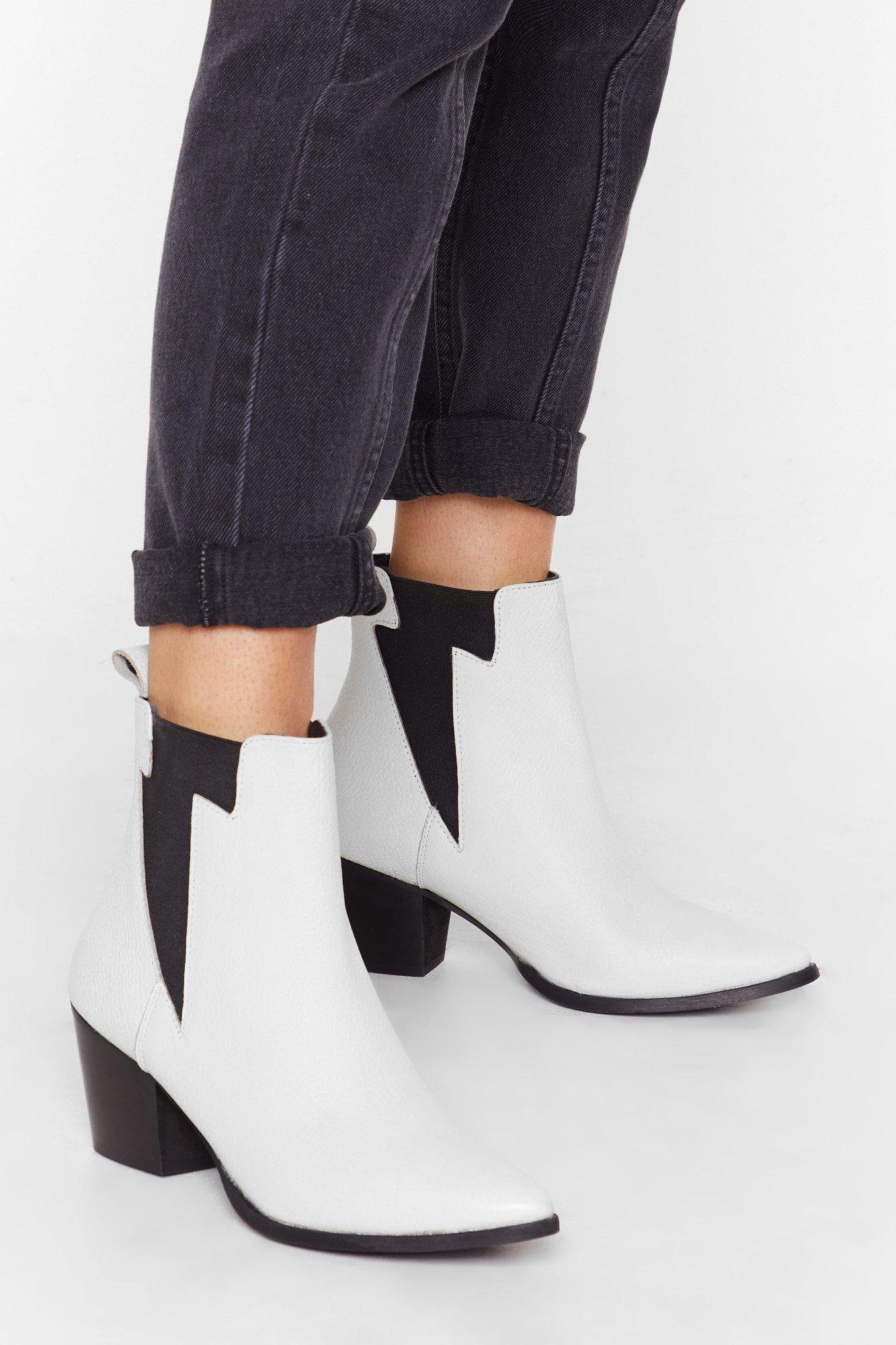 Image of Lightening gusset leather chelsea boot