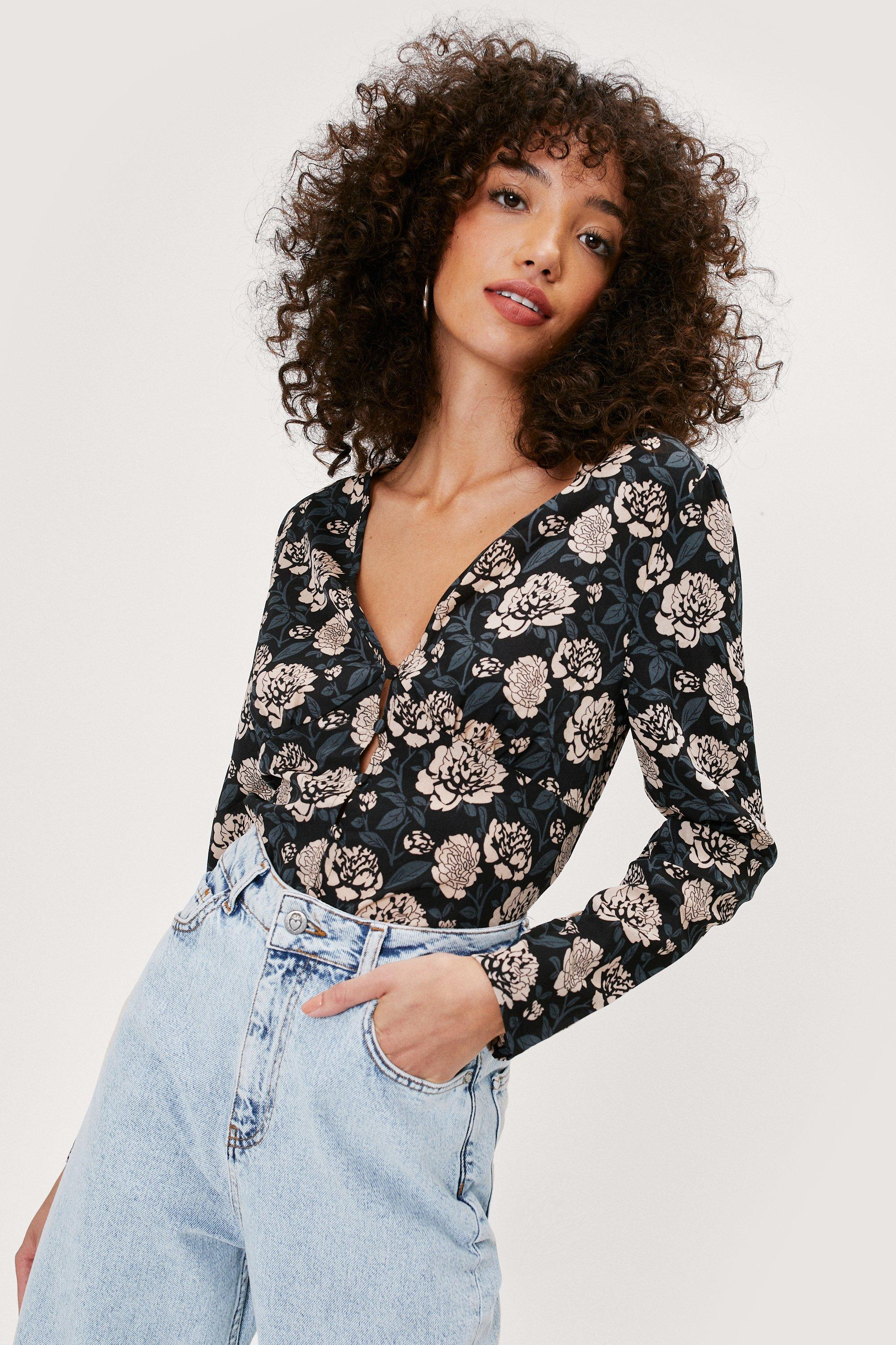 Image of Nothing Bud Flowers Floral Button-Down Blouse