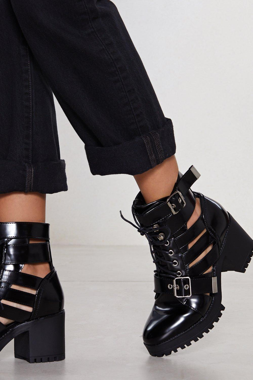 Boots ajourées – Nasty Gal