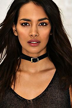 Louise Buckle Detail Thin Choker