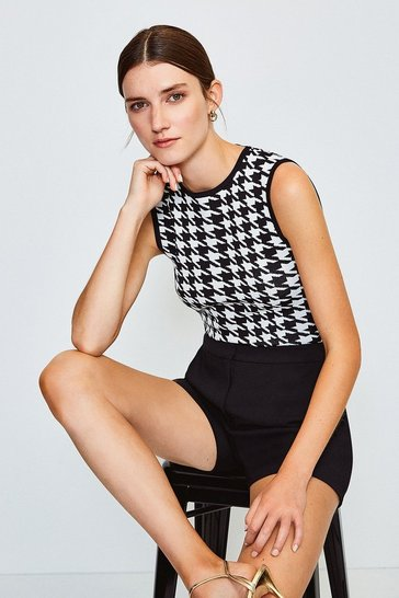 Blackwhite Dogtooth Knitted Zip Back Top