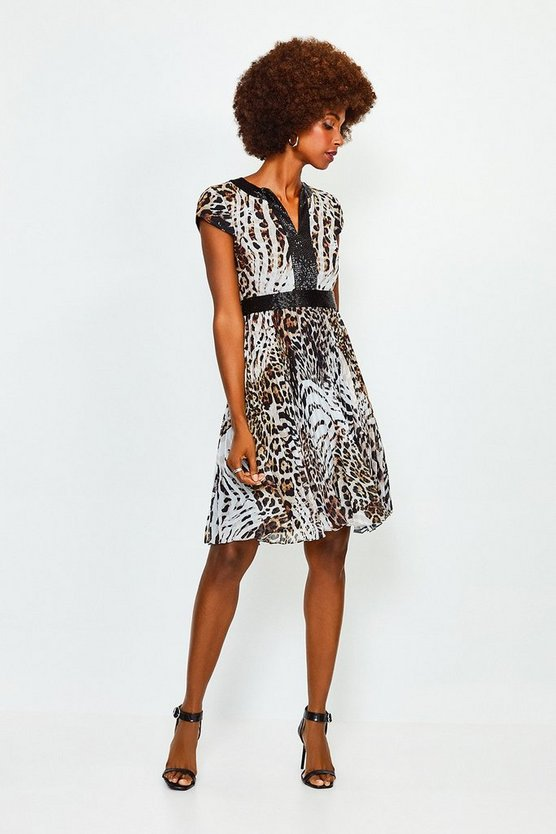 Blackwhite Beaded Print Pleated Short Dress