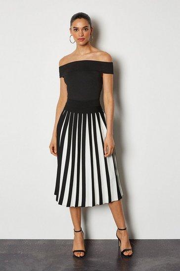 Blackwhite Midi Fluted Knit Skirt