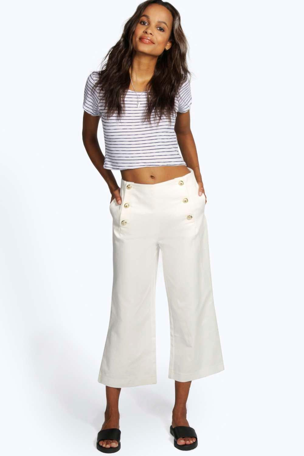 Boutique Aimee Capri Trouser With Buttons