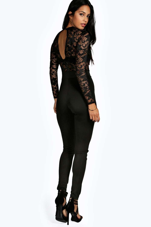 boohoo damen lisa hochgeschlossener spitzen jumpsuit. Black Bedroom Furniture Sets. Home Design Ideas
