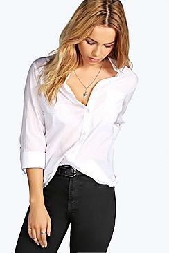 Weiße Bluse mit durchgängigen Knöpfen - Boohoo.com