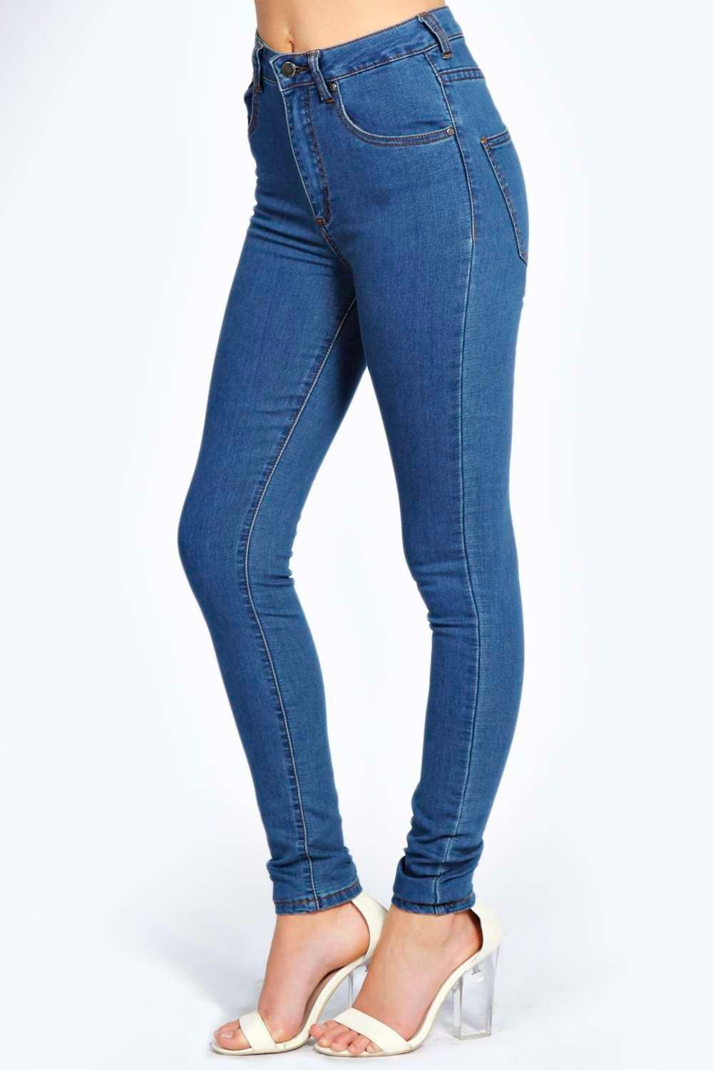 Charlie High Waisted Mid Wash Jeans | Boohoo
