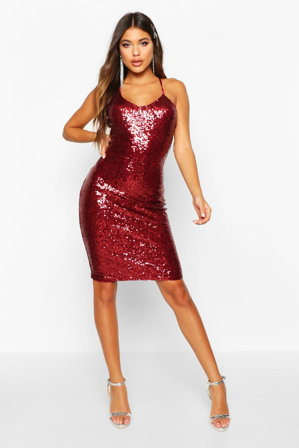 Find the latest trends and styles in women's party dresses at Urban Outfitters. We have the perfect dress for your next formal event, holiday dance or any party. Receive free shipping for purchases of $50 or more on US orders.