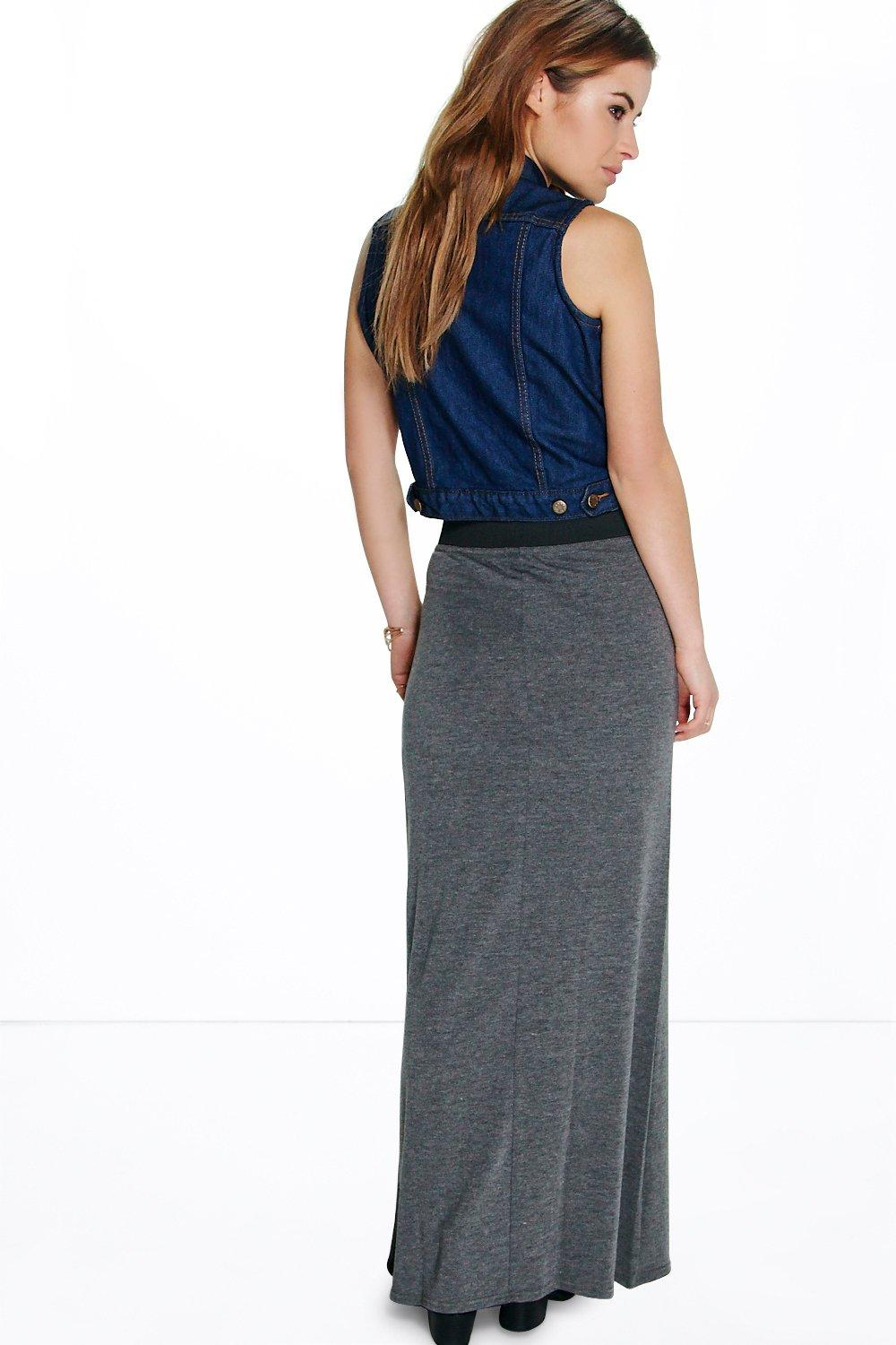 Womens Petite Clothing. How's this for a petite treat: we now offer over styles of petite women's clothing that are specially fit for smaller frames (5'3