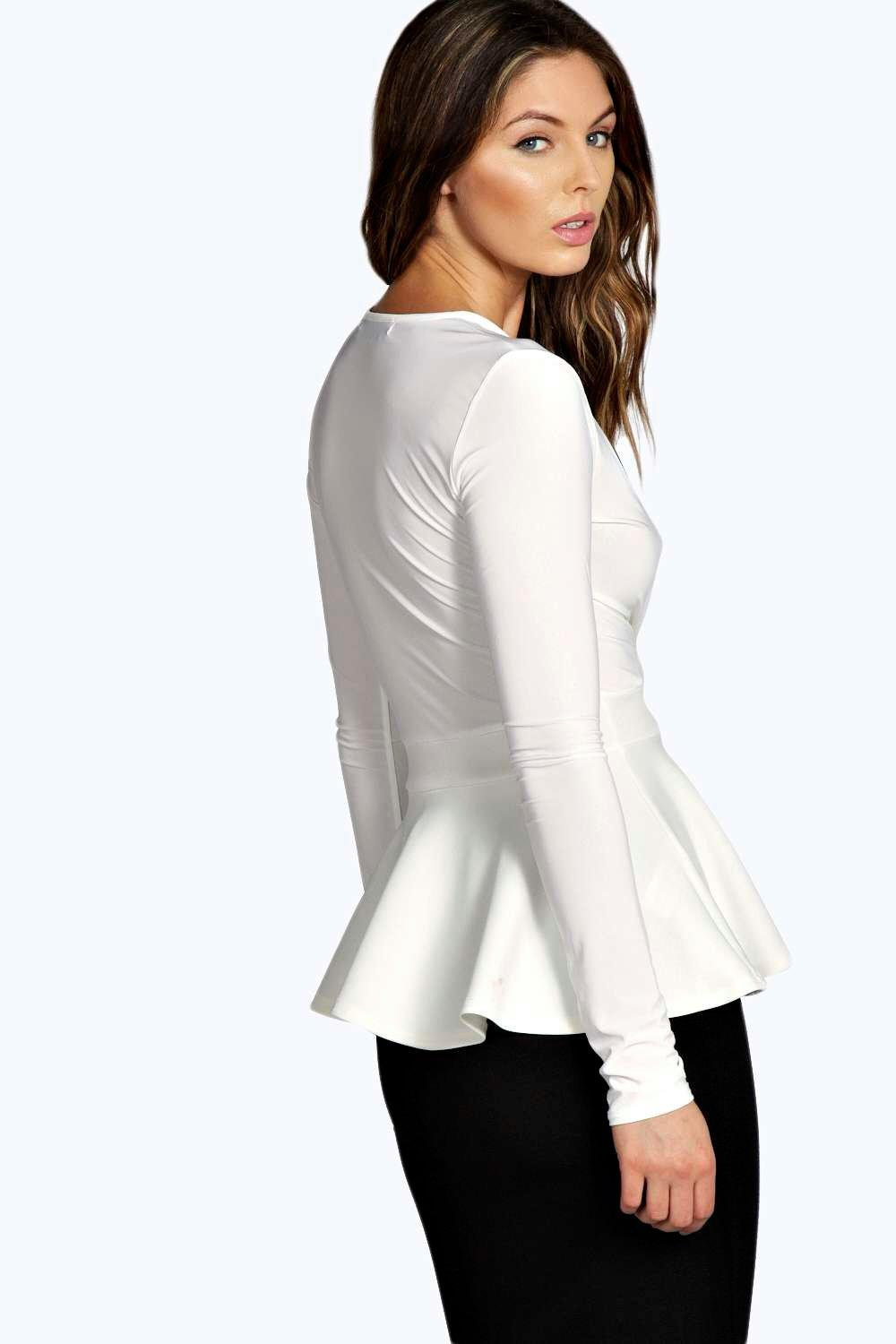 Product Features slight ruffle like peplum waist make the plus size top looks chariming.