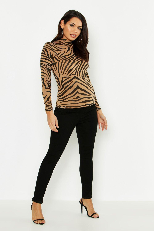 Купить Denim, Из коллекции <Для беременных> - Узкие джинсы с широким поясом поверх живота, boohoo