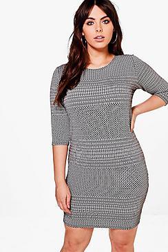 Plus Leah 3/4 Sleeve Bodycon Dress