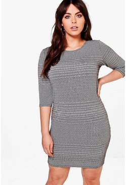 Plus Leah 3/4 Sleeve Bodycon Dress