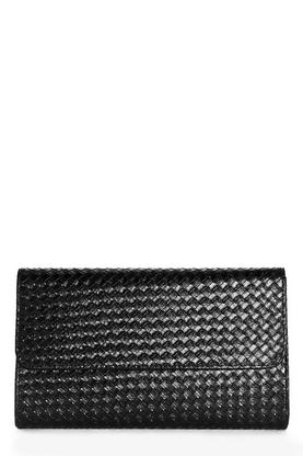Taylor Weave Detail Clutch