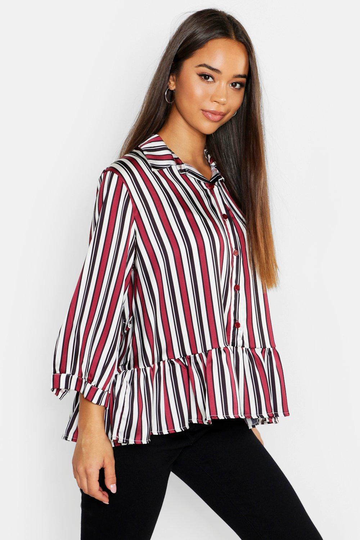 Womens Web-Bluse mit Streifen und Schößchensaum - beerenrot - 34, Beerenrot - Boohoo.com