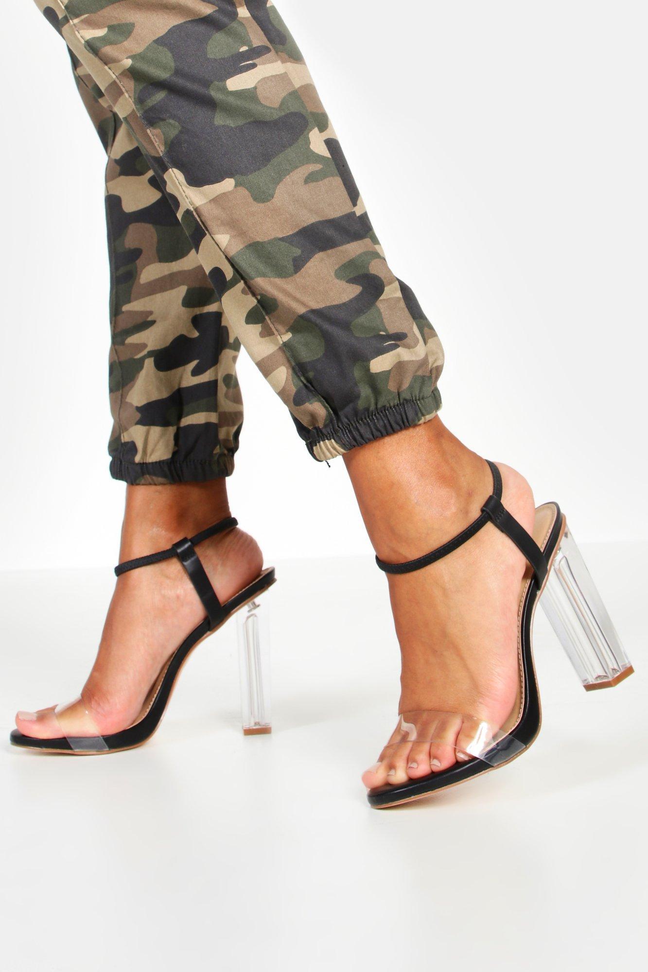 Босоножки на прозрачном блочном каблуке с лентой вокруг лодыжки