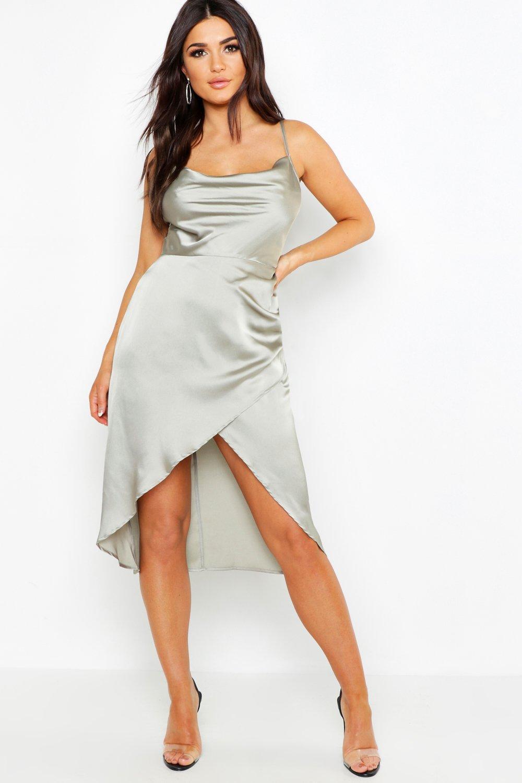 Купить К нам поступают платья, Платье миди из атласа с воротником-хомутом и запахом, boohoo