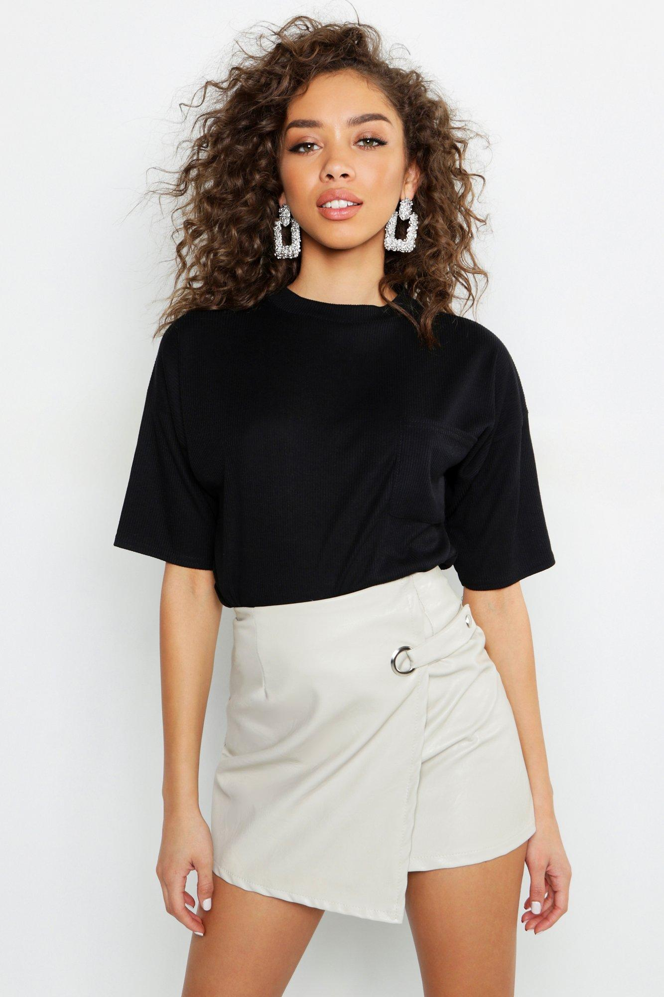 Womens Schlichtes, geripptes T-Shirt mit Tasche - schwarz - 32, Schwarz - Boohoo.com