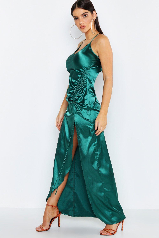 Купить К нам поступают платья, Атласное платье макси со сборками с бретельками, boohoo