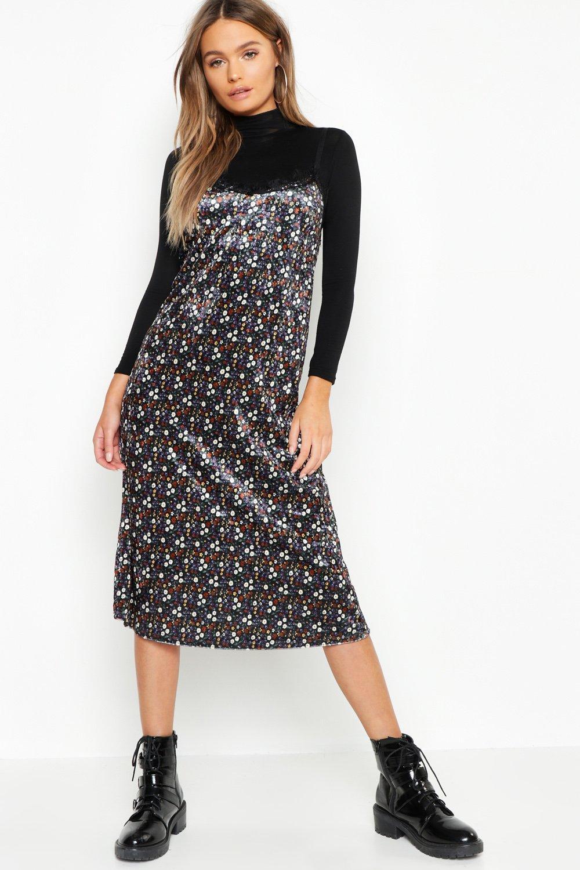 Купить Dresses, Бархатное платье-комбинация с отделкой короткой бахромой с рисунком в мелкий цветочек, boohoo