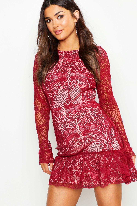Купить Dresses, Мини-платье с оборкой из ажурного кружева, boohoo