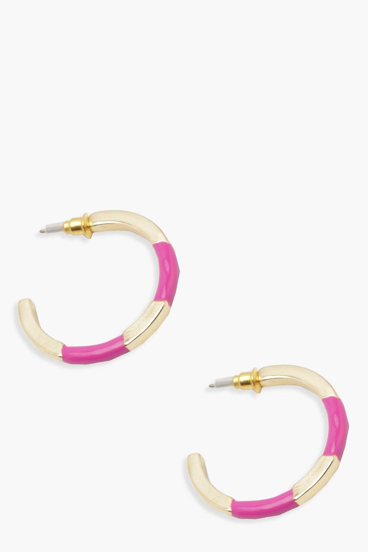 Контрастные цветные серьги-кольца с вырезами