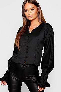 Bluse aus Webmaterial mit Knopfleiste und ausgestellten Ärmeln - Boohoo.com