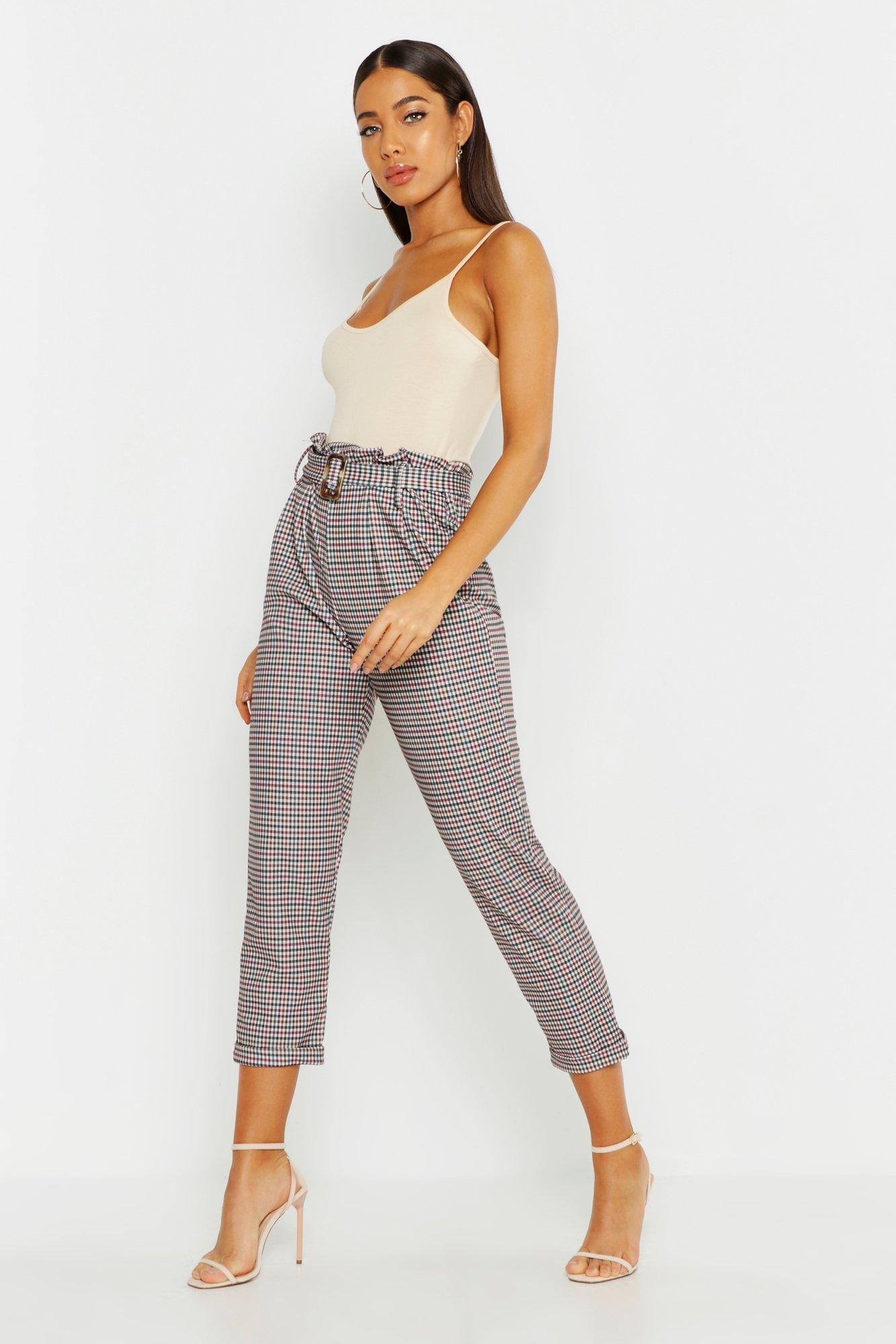 Купить Брюки, Зауженные брюки с поясом в клетку Heritage, boohoo
