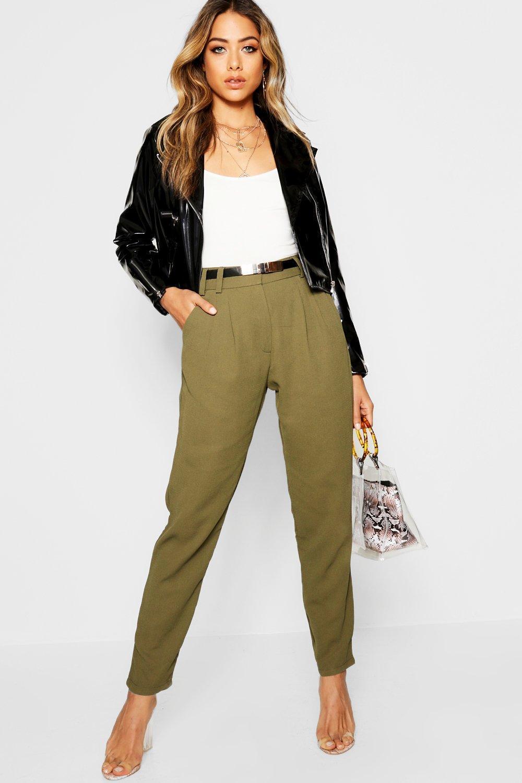 Купить Брюки, Зауженные брюки с поясом с пряжкой, boohoo