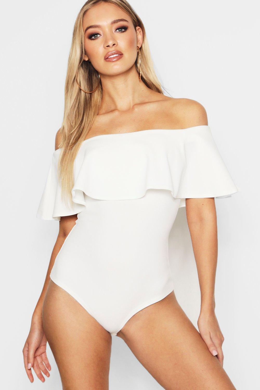 Womens Off-Shoulder Body aus Kreppstoff mit Rüschen - Weiß - 36, Weiß - Boohoo.com