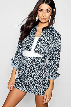 Blauer Minirock aus Denim mit Leopardenmuster - Boohoo.com
