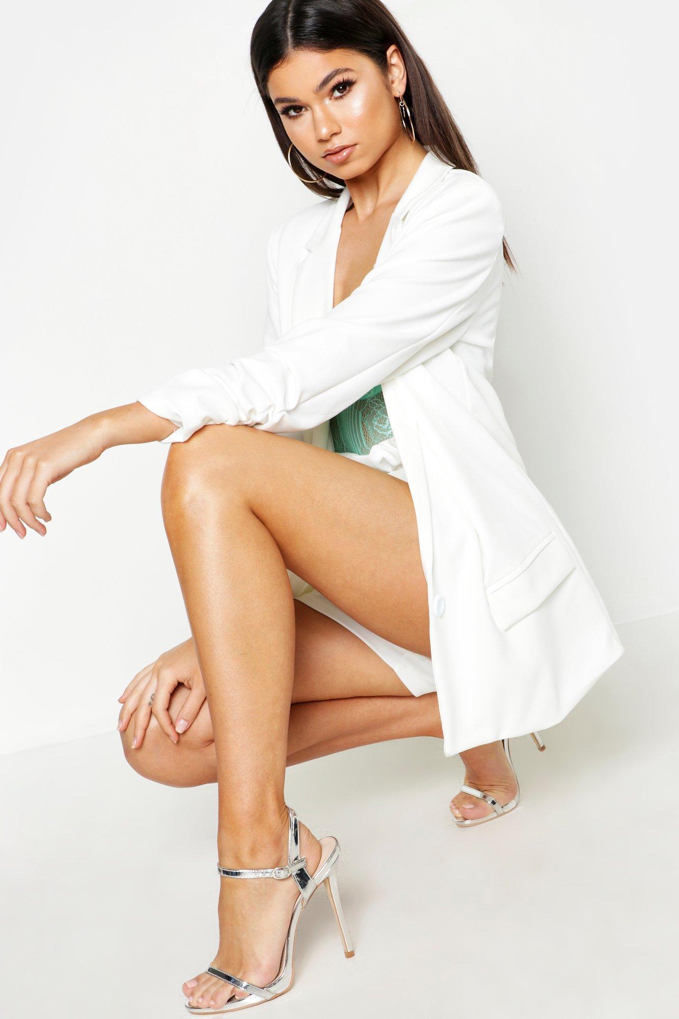 boohoo Womens Oversized V Detail Ruche Sleeve Blazer - White - 12, White