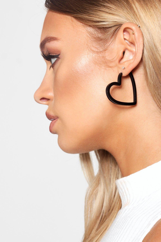 Купить Jewellery, Черные полимерные серьги-кольца в форме сердца, boohoo