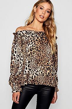Schulterfreie Bluse mit Leopard-Print - Boohoo.com