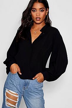 Kragenlose, durchgeknöpfte Bluse mit auffallenden Ärmeln - Boohoo.com