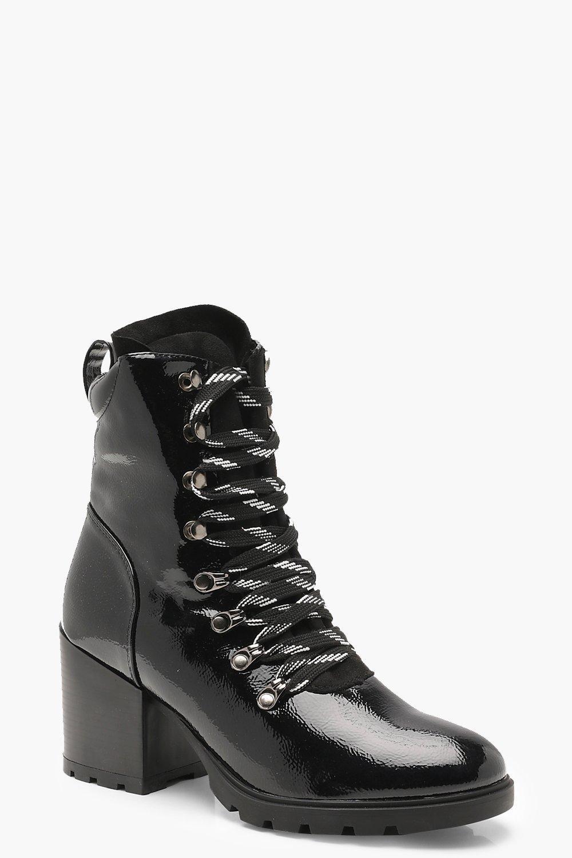 Купить Boots, Ботинки из лакированной кожи со шнуровкой, boohoo
