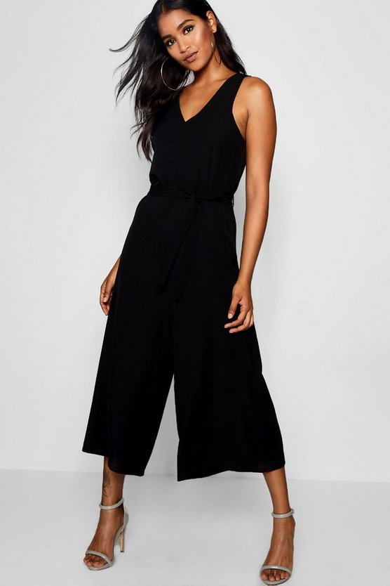 Sleevless Minimal Jumpsuit